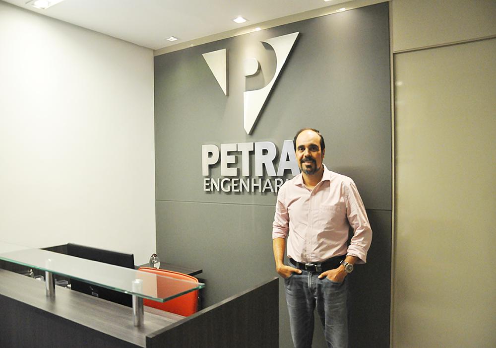 Bruno Costa diretor da Petra Engenharia nos concedeu gentilmente uma entrevista enriquecedora